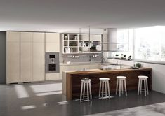 what colors for a spacious kitchen, eg U-shaped kitchen layout with island, high kitchen cabinet with open storage by archzinefr Family Kitchen, New Kitchen, Scavolini Kitchens, Espace Design, Kitchen Layouts With Island, Home Goods Decor, Home Decor, Kitchen Wall Colors, Kitchen Walls