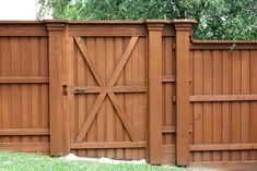 29+ Top Collection Building Wooden Fence Gate - Home Decor and Garden Ideas Diy Privacy Fence, Diy Fence, Backyard Fences, Fence Ideas, Garden Ideas, Fence Garden, Outdoor Fencing, Diy Gate, Home Fencing