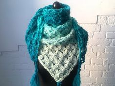 Crochet Patterns Mittens CraSy, wild and changeable, it is today in thunderbolt. You wanted to … Crochet Dragon Pattern, Crochet Fox, Love Crochet, Diy Crochet, Easy Knitting, Knitting Stitches, Knitting Patterns, Crochet Patterns, Crochet Scarves