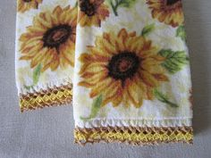 Miss Abigail's Hope Chest: Sunflower Hand Towels