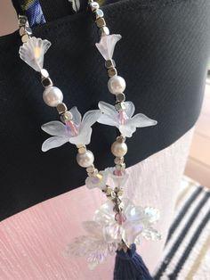 Dazzling Rhinestone-Centered Flora Neckpiece