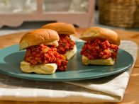 Get this all-star, easy-to-follow Sloppy Jane Sliders recipe from Kelsey's Essentials