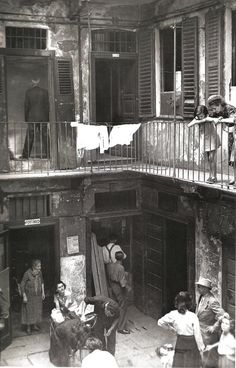 Laundry is everywhere, and it links us on such a basic level . Photo Black, Black White Photos, Black And White Photography, Old Pictures, Old Photos, Vintage Photographs, Vintage Photos, Napoli Italy, Foto Poster