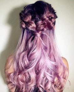 It can be quite a difficult situation that you should choose the hairstyle to your your special event therefore we are providing a quick account of the best wedding hairstyles that can never go out of fashion. Natural Hair Mask, Natural Hair Styles, Long Hair Styles, Pretty Hairstyles, Wedding Hairstyles, Purple Hair, Hair Day, Gorgeous Hair, Hair Goals