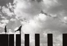 L'AMBITIEUX, 2003, COURTESY GALERIE LES FILLES DU CALVAIRE, PARIS-BRUXELLES  © Gilbert Garcin #linsense