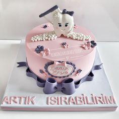 Diş pastası Fancy Cakes, Cute Cakes, Fondant Cakes, Cupcake Cakes, Dental Cake, Diamond Cake, Tooth Cake, Graduation Cupcakes, Cupcake Flavors