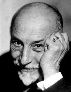 """""""Io sono nato in Sicilia e lì l'uomo nasce isola nell'isola e rimane tale fino alla morte, anche vivendo lontano dall'aspra terra natìa circondata dal mare immenso e geloso."""" (Luigi Pirandello)"""