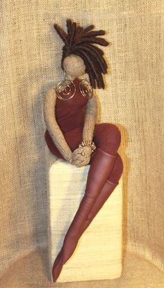 Self Concept Dolls - great art therapy intervention idea for self-esteem with teens.