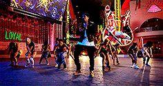 chris brown Chris Brown Dance, Breezy Chris Brown, Dance Moms Dancers, August Alsina, Types Of Guys, Trey Songz, Famous People, Singers, Sexy Men