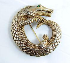 Vintage Hattie Carnegie alligator Brooch Green Rhinestone