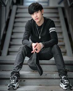 Likes, Comments - Singto Asian Boys, Asian Men, Jaebum Got7, Star Wars, Love Scenes, Cute Gay Couples, Thai Model, Asian Celebrities, Thai Drama
