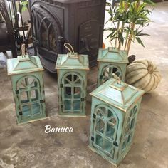 #izmir #boyamakursu #sipariş #ahsapboyama #woodpainting #fener #boyamateknikleri #tasarım #homedecor Wooden Lamp, Wooden Decor, Tea Candle Holders, Wooden Painting, Turkish Lamps, Painted Trays, Lanterns Decor, Country Farmhouse Decor, Wood Crates