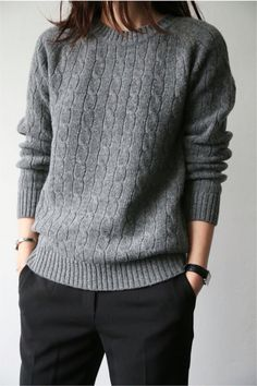 mode 40 Fascinating Grey Sweater Outfits Ideas Women's G Tomboy Fashion, Fashion Mode, Work Fashion, Fashion Outfits, Luxury Fashion, Tomboy Chic, Fashion Ideas, Fashion Black, Fashion Clothes