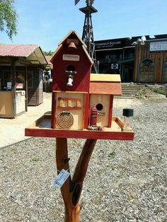 Firehouse birdhouse bird feeder