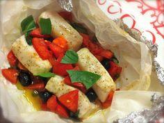 Ricetta dei cuori di merluzzo al cartoccio con capperi e olive, una ricetta facile, veloce e dietetica, pefetta per chi vuole mantenere la linea non rinunciando al gusto