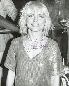 Deborah Harry Photos of Blondie Debbie Harry, Debbie Harry Hair, Rock Hairstyles, Short Hairstyles For Women, Summer Hairstyles, Bowl Haircuts, Estilo Rock, Hair Color For Women, Short Blonde