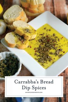 olive oils Get the special blend of spices to make Carrabba's Olive Oil Bread Dip at home! I bet you already have everything you need in the pantry for this Italian bread dipping oil. Bread Dipping Oil, Bread Oil, Oil Bread Dip Recipe, Lunch Snacks, Clean Eating Snacks, Dip Recipes, Copycat Recipes, Cooking Recipes, Hors D'oeuvres