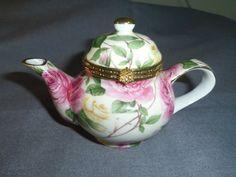 Trinket Box Teapot Shaped Pink Roses 5.25 long x