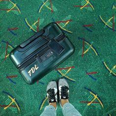 To new beginnings & more adventures! But first let me take a shoefie #carpetdiem #travelaway #tdlheartshoes by trinnadeleon