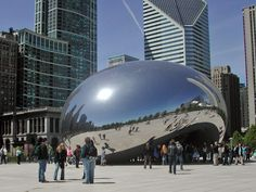 Anish Kapoor's Cloud Gate at Millenium Park in Chicago