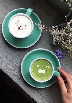 The Latte Art Is Too Cute To Drink At Sweet Moment