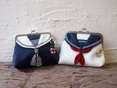 S PROJECT is a uniquel brand that provides adults with playful designs and…Sailor uniform-like marine-coloured pouch.Great idea to add to the clasp bags I already makethese would be cool at a doll conferenceCould use this for peg bag inspiration Fabric Crafts, Sewing Crafts, Sewing Projects, Diy Sac, Frame Purse, Fabric Bags, Handmade Bags, Purse Wallet, Bag Making
