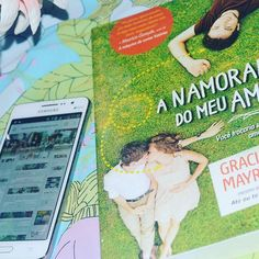 Bom diaa ♡  #Read #Reading #Booklove #Bookporn #Bookstagram #Vscobooks #Instalivros #Livro #Instabook #FãsdeLivros #AmoLer #ILove #LoveReading #Love #LoveBook #bookgreek #bookhaul #bookcommunity #instareads #ilovereading #bibliophine #instagold #blogger #NovoConceito #BomDia #Nacional