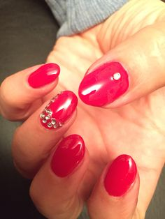 Classic red gel with diamante finish.