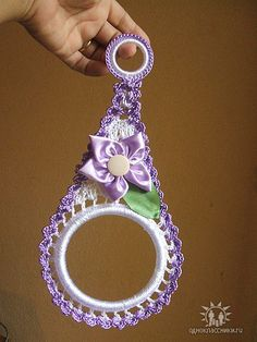 Towel Holder, i think is even more beautiful with a crochet flower.
