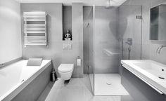 Luxe badkamer met grote inloopdouche en ligbad, Het Badhuys | Het Badhuys