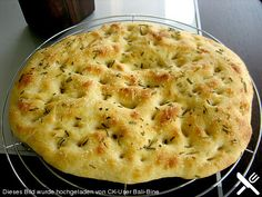 Foccacia, a delicious recipe from the bread and roll category. Ratings: Average: Ø recipes backen backen rezepte bread bread bread Bread Toast, Vegan Bread, Pampered Chef, Jamie Oliver, Food Network Recipes, Bread Recipes, Sandwich Recipes, Food Inspiration, Macaroni And Cheese