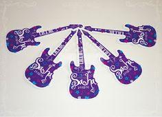 Tarjetita para souvenir: Guitarra de Violetta.