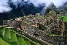 Fantastic overview of terraced royal Inca ruins - Machu Picchu