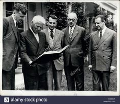 x.....jun-05-1954-charlie-chaplin-receives-5000-prize-of-the-world-peace