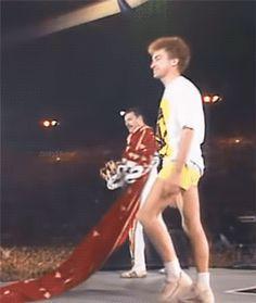 john deacon in shorts appreciation post Brian May, John Deacon, Princes Of The Universe, Queen Meme, Roger Taylor, Queen Photos, We Will Rock You, Somebody To Love, Queen Freddie Mercury