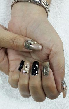 #nailsdesigns #uñas #nailart #black #gold #elegant #coffin #ballerina