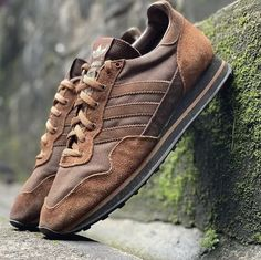 Adidas Raider Spzl coming up in 2022 ??? Dress With Sneakers, Shoes Sneakers, Me Too Shoes, Shoes Sandals, Adidas Models, Punk Fashion, Adidas Shoes, Designer Shoes, Footwear