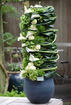 Contemporary Flower Arrangements, Creative Flower Arrangements, White Floral Arrangements, Ikebana Arrangements, Floral Bouquets, Table Flowers, Flower Vases, Flower Art, Arte Floral