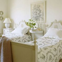 Vintage French Soul ~ Guest bedroom with pretty twin beds British Bedroom, Swedish Bedroom, French Country Bedrooms, French Country Decorating, Shabby Chic Bedrooms, Guest Bedrooms, Guest Room, Plywood Furniture, Modern Furniture