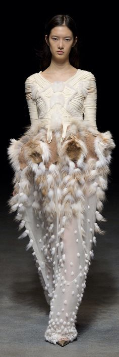 moth inspired  fluffy textures;/ Yiqing Yin