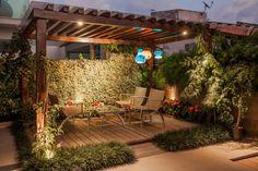Projeto : Varandas, alpendres e terraços modernos por Heloisa Titan Arquitetura