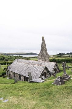 An ancient church with a rather peculiar history. St Enodoc's Church is precariously placed amongst large sand dunes in the middle of a golf course. Samos, Monuments, Travel Around The World, Around The Worlds, England Houses, England Map, England Castles, England Beaches, Filming Locations