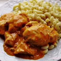 Kura na paprike - Chicken Paprikash Eastern European Recipes, European Cuisine, Middle Eastern Recipes, Slovak Recipes, Czech Recipes, European Breakfast, Unique Recipes, Ethnic Recipes, Chicken Recepies