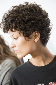 Curly Hair style idea. Chloé Spring 2016 Ready-to-Wear Fashion Show Beauty