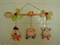 Piggy, Burenka and hen - Toy Kitchen decoration Felt Diy, Felt Crafts, Diy And Crafts, Arts And Crafts, Wooden Spoon Crafts, Baby Dekor, Felt Embroidery, Baby Sewing Projects, Felt Decorations