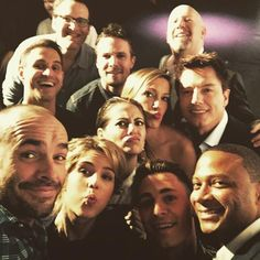 Team Arrow at Paley Fest March 2015 Emily Rickards, Arrow Tv Shows, Dc Tv Shows, City Of Heroes, Dc Heroes, Between Serie, Arrow Funny, Arrow Memes, Oliver Queen Arrow