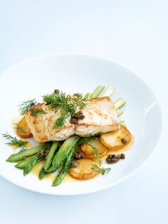 Roasted fish, potato and asparagus with dill buttter