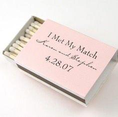 Fosforos de recuerdos para tu boda este 2015. Encuentra más inspíración en http://bodatotal.com/