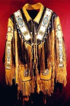 Men's Handmade Native American Red Indian Tan Leather Jacket Fringes all sizes Native American Clothing, American Apparel, Native American Fashion, American Indians, Armadura Ninja, Tan Leather Jackets, Red Indian, Fringe Jacket, Beaded Jacket