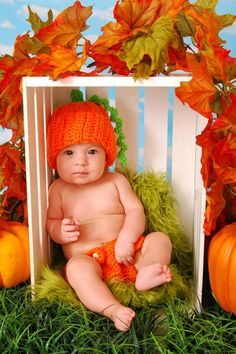 Pumpkin Beanie / Stretchy Photography Prop / by MommyisCrafty Halloween Baby Pictures, Baby First Halloween, Fall Baby Pictures, Baby Boy Photos, 5 Month Old Baby, Baby Shots, Monthly Baby Photos, Photos Originales, Newborn Photography Poses